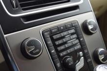 VOLVO V60 Momentum AWD